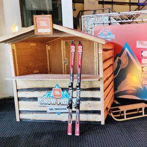 branding winter houten huisje huren inhuren