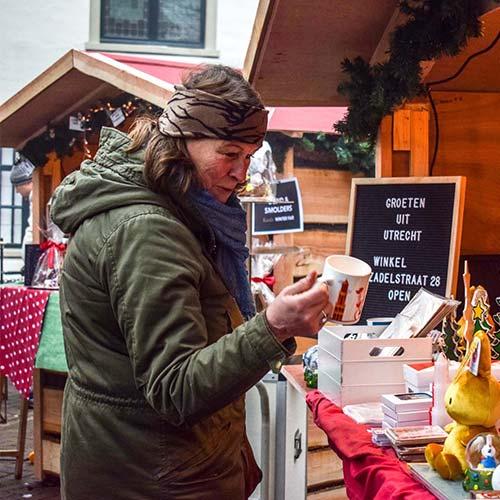 Kerstmarkt verkoop en kersthuisjes